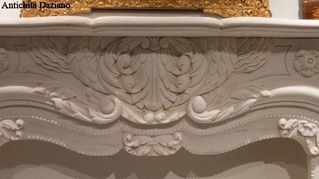Camino In Marmo Bianco : Camino antico in marmo bianco