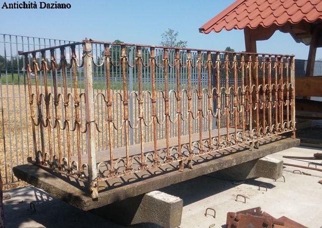Terrazzo con parapetto in ferro | Antichità Daziano