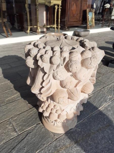 Capocolonna in pietra vicentina