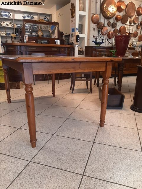 Tavolo con piastrelle   Antichità Daziano