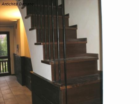 Scala in legno realizzata su misura