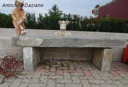 Panchina in pietra
