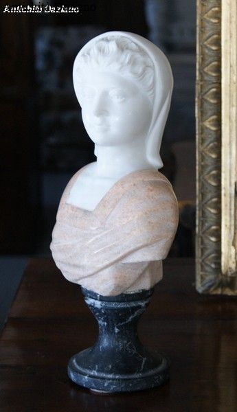 Mezzo busto femminile