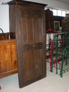 Porta rustica in castagno