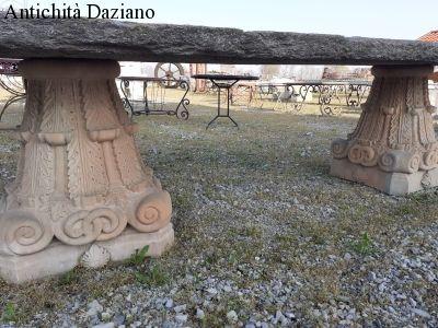 Capitelli in pietra serena