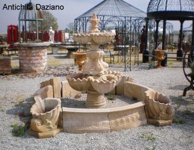 Fontana in pietra serena