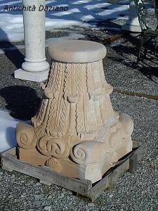 Capitello in pietra serena