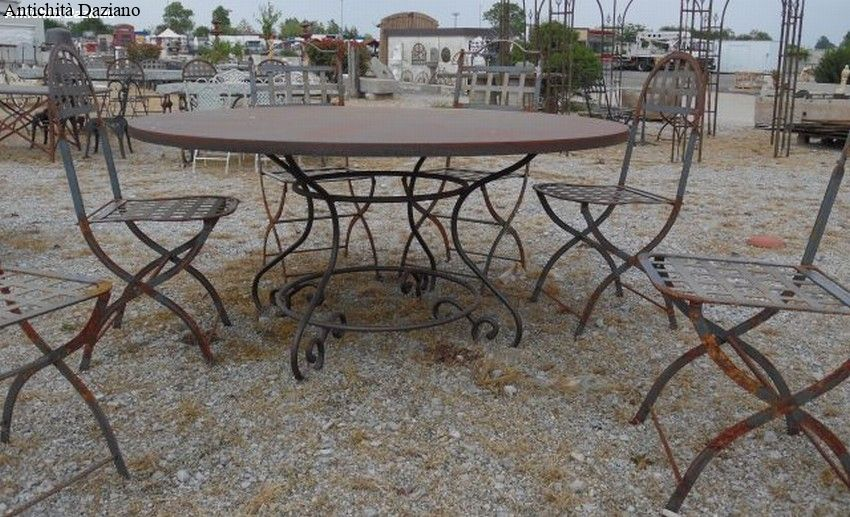 Tavolo rotondo in ferro antichit daziano for Tavolo rotondo 160 cm