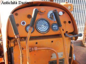 Trattore FIAT 332 cingolato