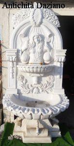Fontana in marmo bianco Stile Liberty