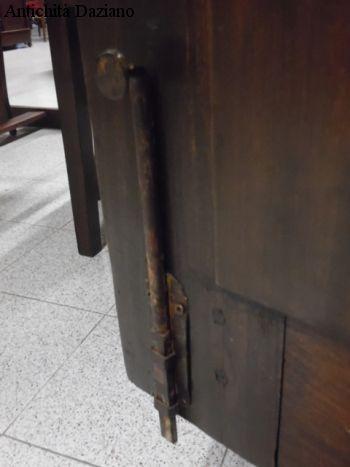 Armadio in pioppo restaurato - Dettaglio chiusura
