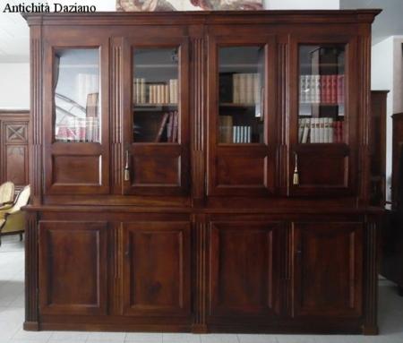 Libreria direttorio in noce restaurata