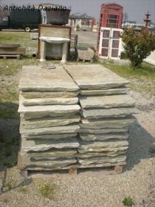 Lastroni di pietra