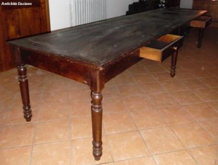 Tavolo in larice - particolare
