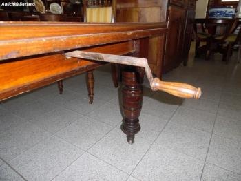 Tavolo in rovere allungabile - Dettaglio