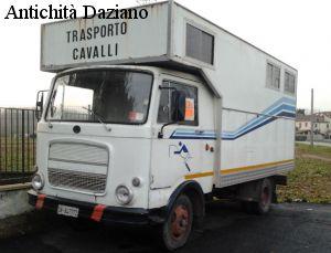 Autocarro - OM Leoncino per trasporto animali