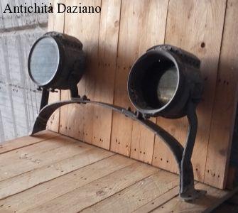 Fari vecchi camion ad acetilene