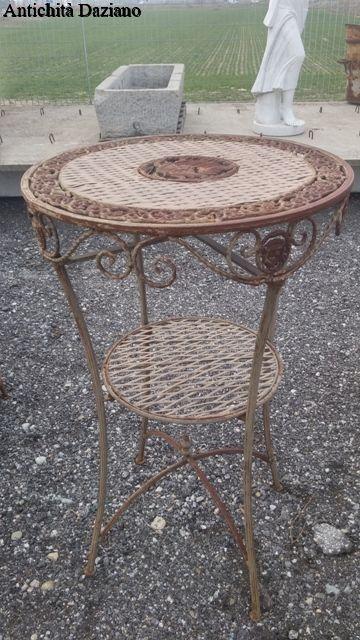 Tavolino con 2 sgabelli in ferro