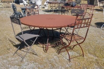 Tavolo in ferro pieno rotondo
