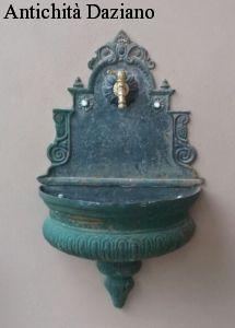 Fontana in ghisa da muro
