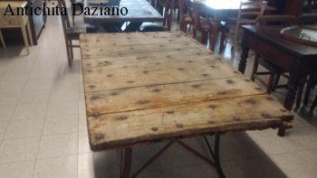 Tavolo rustico