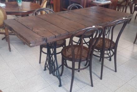 Tavolo da recupero porta con tavolo da cucito