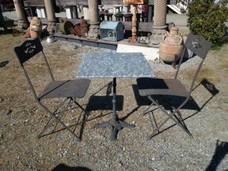 Tavolino da bistrot in marmo con appoggio in ghisa