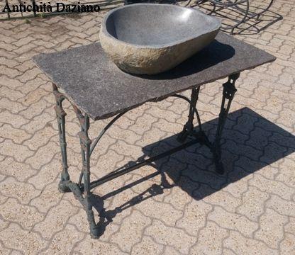Tavolo  con lavandino