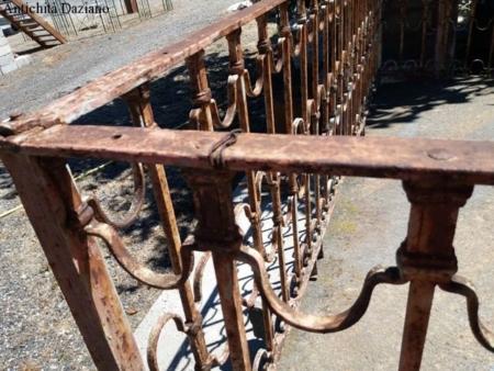 Terrazzo con ringhiera in ferro