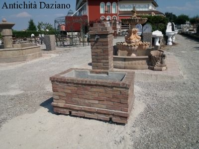 Fontana in mattoni
