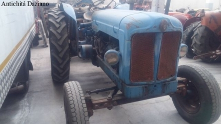 Trattore Fordson Power Major 592E