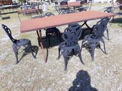 Tavolo in ferro grezzo