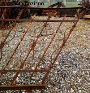 Ringhiera per scale in ferro battuto