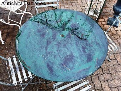 Tavolo in ferro rotondo