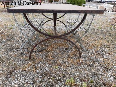 Tavolo rettangolare in ferro pesante
