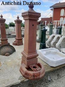 Fontana in ghisa Vecchia Milano