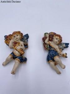 Coppia di angeli in ceramica di Caltagirone