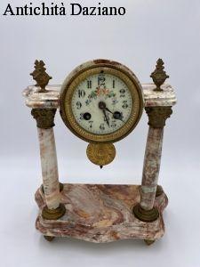 Orologio da tavolo in marmo