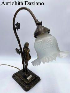Lampada da tavolo in bronzo
