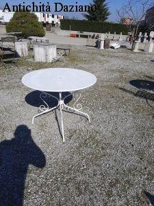 Tavolo rotondo in ferro