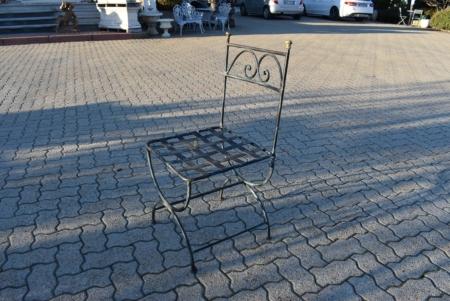 Tavolo e sedie in ferro pesante