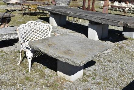 Tavolo da giardino in pietra antica